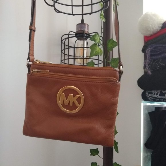 Michael Kors Cross Over Purse